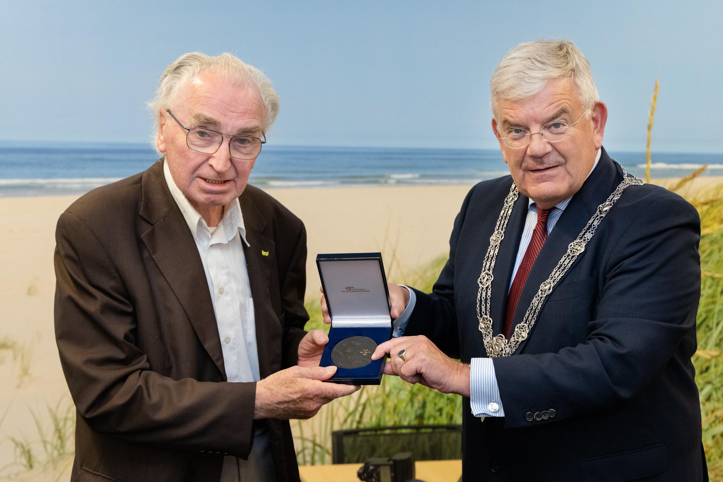 Uitreiking stadspenning burgemeester Jan van Zanen. Foto: Michel Heerkens